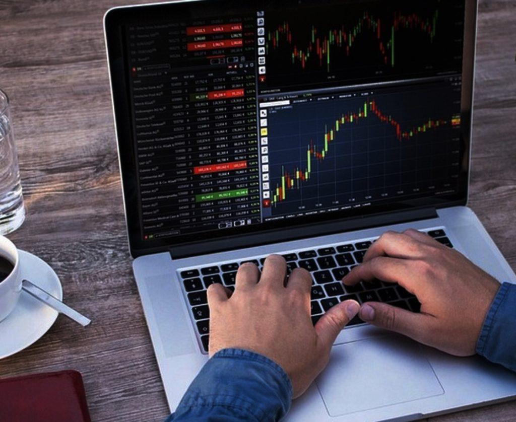 Một số phần mềm đầu tư Forex thông dụng. Cách lựa chọn phần mềm phù hợp với giao dịch